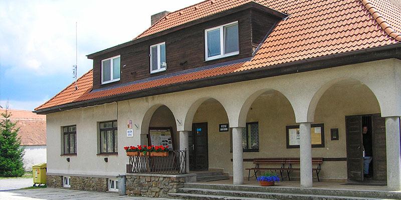 Obec KDOUSOV